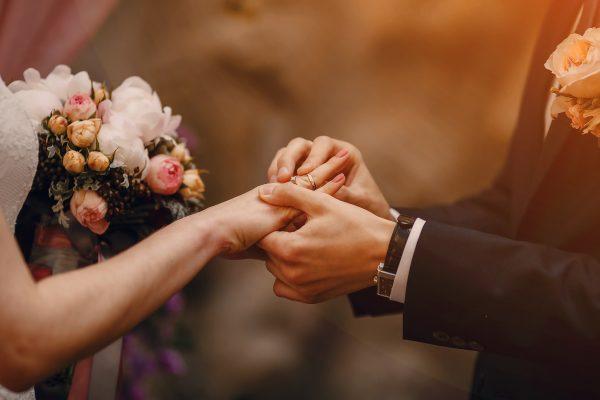¿Cómo casarse en un restaurante?